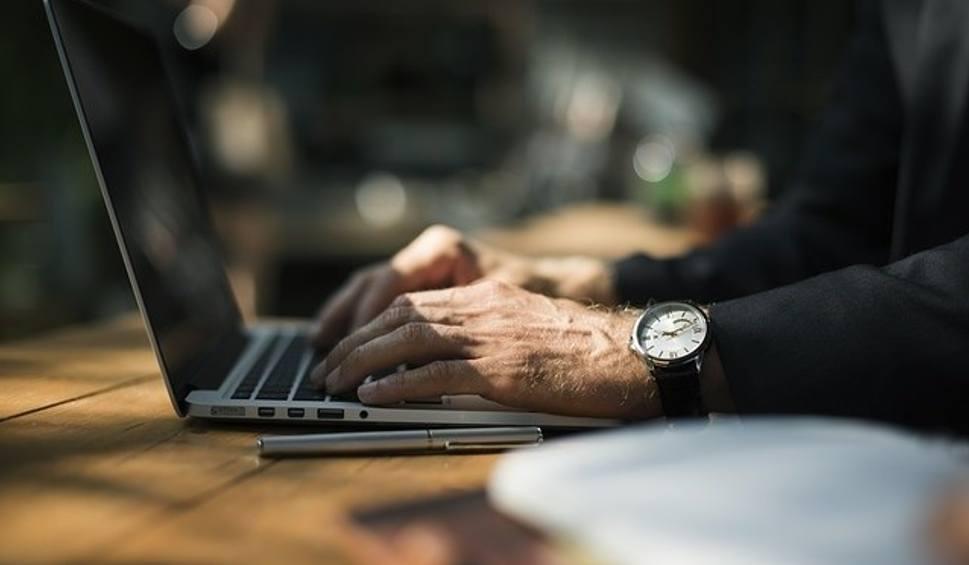 Film do artykułu: Rozmowa tygodnia. Jak skorzystać z usługi Twój e-PIT? Wyjaśnia ekspert z Urzędu Skarbowego [WIDEO]