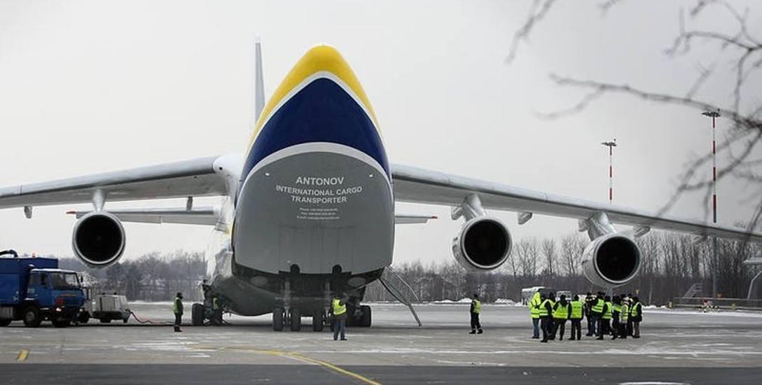 Antonow na łódzkim lotnisku