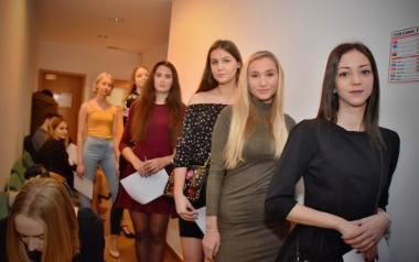Pierwszy casting na Miss Podlasia 2019 za nami. Ponad 60 dziewczyn prezentowało się przed jury. Miały zaledwie kilka minut, żeby opowiedzieć o sobie,