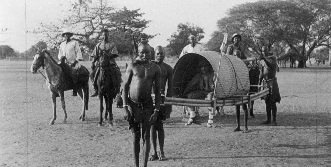Nic dziwnego, że Maria Tchórznicka czuła się w Kenii  bezpiecznie. Biali mieli tam wszystkie możliwe przywileje, podróżowali samochodami, konno lub w...