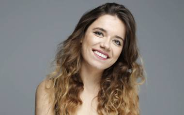 Karolina Kozioł (Caroline Koziol) pochodząca z Niska, w Londynie małymi krokami podbija świat filmu