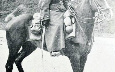 Płk L. Kmicic-Skrzyński na wileńskiej Rossie w 1936 r.