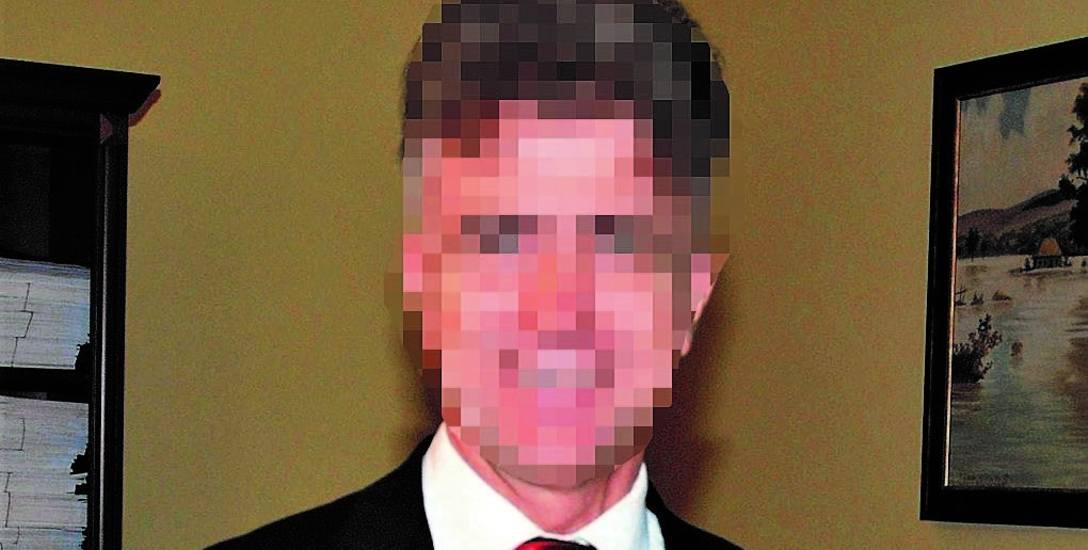 Wacław M. był wójtem Ostrowic od 2002 roku. Wcześniej, w latach 1990--1995 był burmistrzem Drawska Pomorskiego.