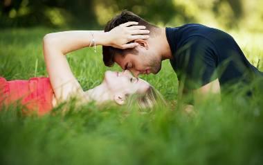 Horoskop miłosny 2019. Te znaki zodiaku tworzą najbardziej dobrane i najgorętsze pary! Gwiazdy podpowiedzą, jak stworzyć dobry związek