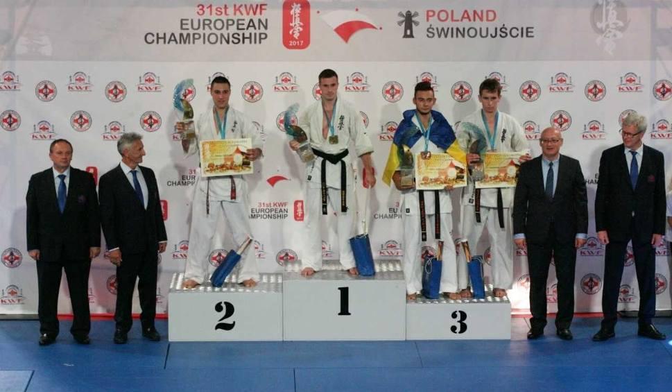 Film do artykułu: Pięć medali dla Klubu Kyokushin YMCA Kraków i 9. dan dla Andrzeja Drewniaka