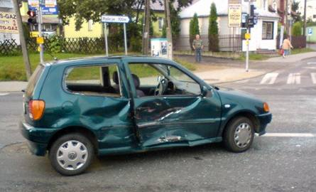 Groźny wypadek w centrum miasta. Zobacz zdjęcia