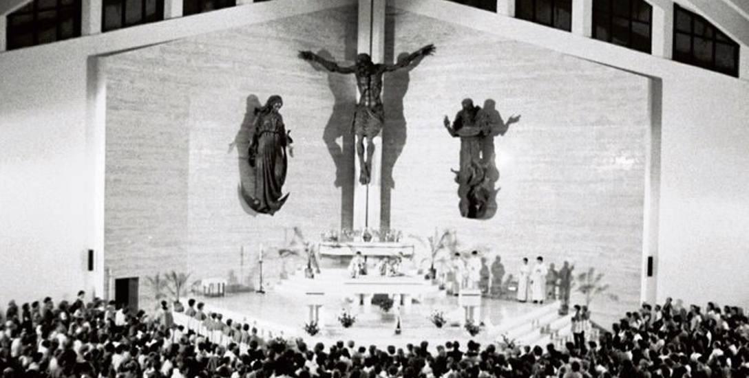 Kościół w Mistrzejowicach, 1985 r.