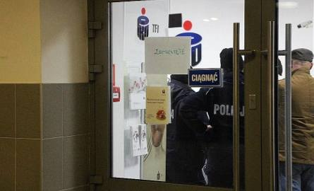 Napad na bank! Sterroryzowali kasjerki i klientów