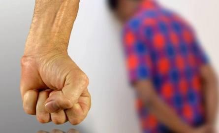 Niektórzy do homoseksualnej prostytucji byli zmuszani przemocą.