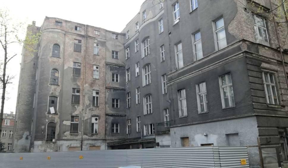Film do artykułu: Poznań: Szpital przy Szkolnej czekają inwestycje - wkrótce rozpoczną się pierwsze prace rozbiórkowe [ZDJĘCIA]