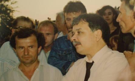 Lech Kaczyński w Gorlickiem gościł w 1992 roku podczas Łemkowskiej Watry. Był wtedy prezesem NIK. Na zdjęciu ze Stefanem Hładykiem, prezesem Zjednoczenia