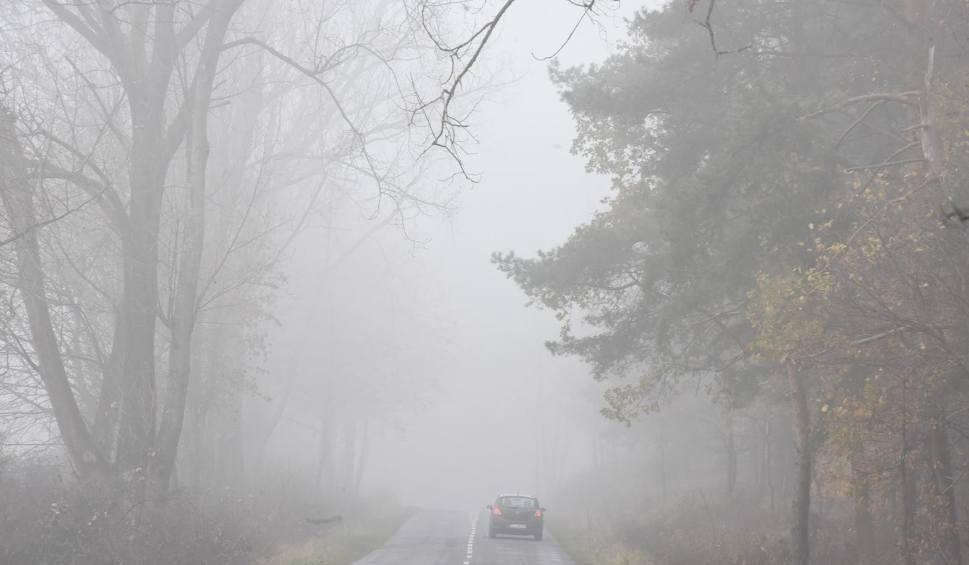 Film do artykułu: IMGW wydało komunikat meteorologiczny o silnej mgle. Niebezpiecznie na drogach