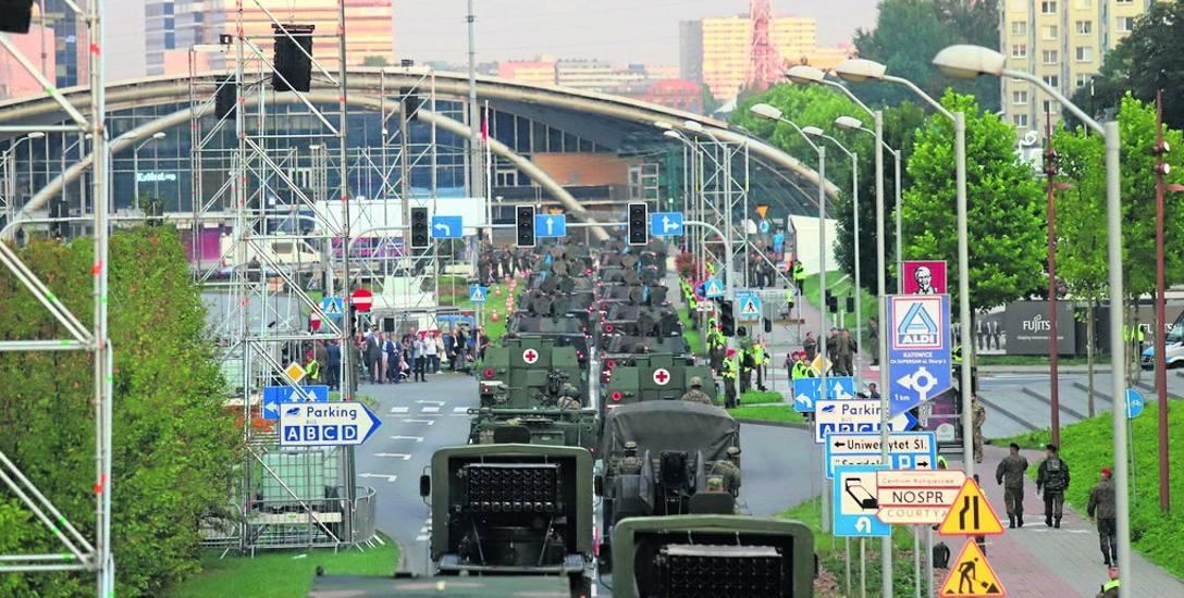 W nocy z 9 na 10 sierpnia i w sobotę nad ranem w Katowicach odbyła się próbna defilada wojskowa