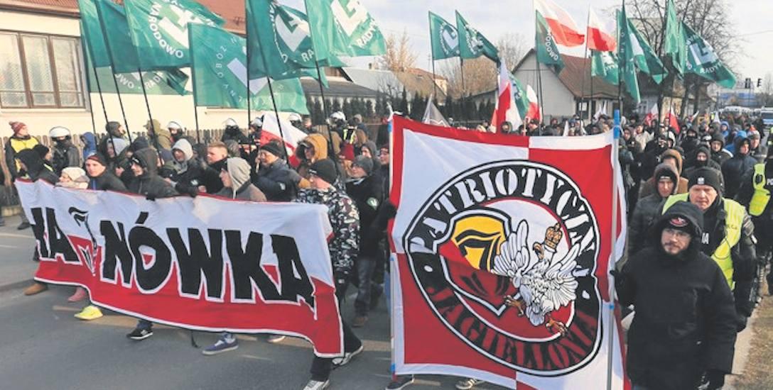 W marszu narodowców wzięło udział około 200 osób. Tylko niewielka część spośród nich to mieszkańcy Hajnówki
