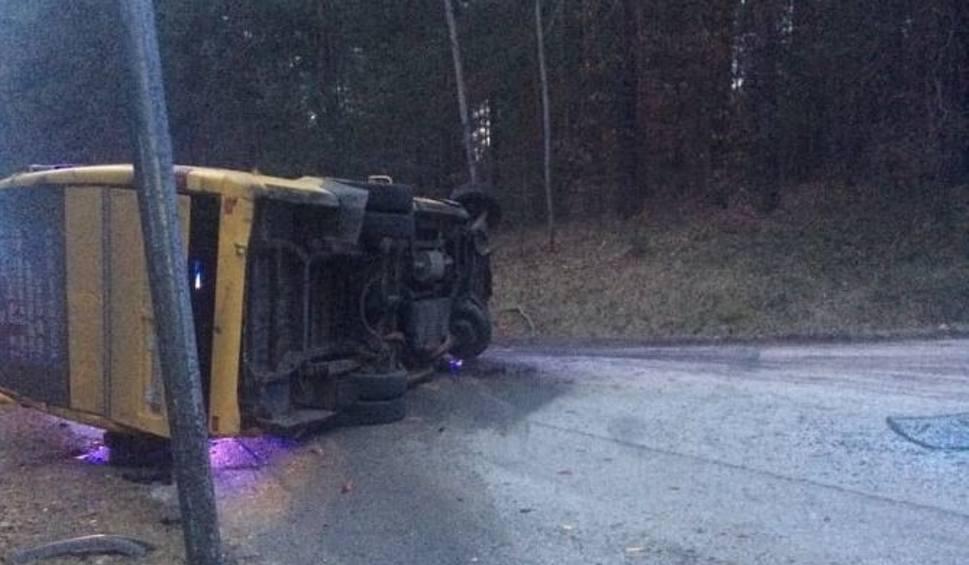 Film do artykułu: Tragedia na drodze w miejscowości Mokra. Nie żyje kierowca