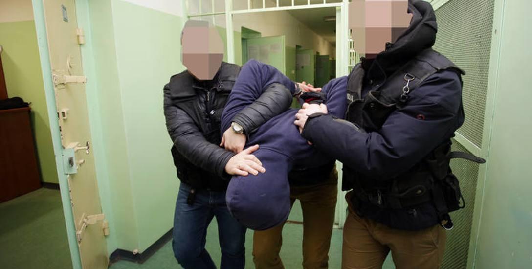 25-latek został aresztowany. Obrońca nie widzi powodów, by występować o uchylenie decyzji sądu rejonowego.