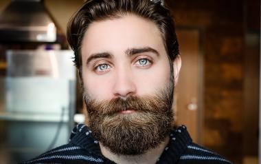 Szokujące wyniki badań naukowców: w męskiej brodzie jest więcej bakterii niż w psiej sierści