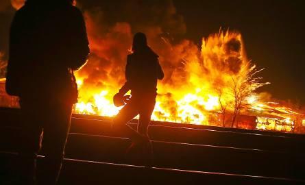 Ogromny pożar na terenie składu materiałów budowlanych MB 03 przy ul. Szczecińskiej.