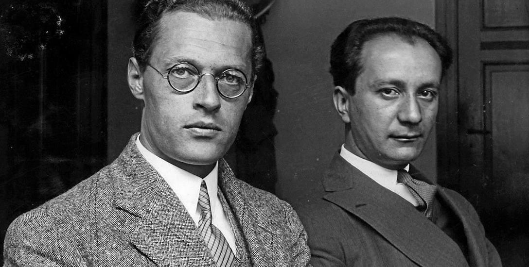 Kazimierz Wierzyński (z lewej) z tłumaczem swojej poezji na język niemiecki Michelem Josefem Heinzem