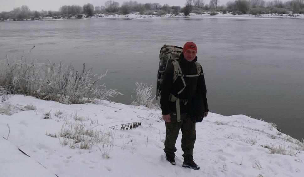 Film do artykułu: Wyjątkowy piechur - podróżnik Maciej Boiński nad brzegiem Wisły w Tarnobrzegu