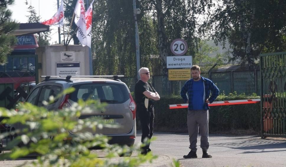 Film do artykułu: Strajk w kopalni Ziemowit w Lędzinach. Górnicy nie wyjeżdżają na powierzchnię