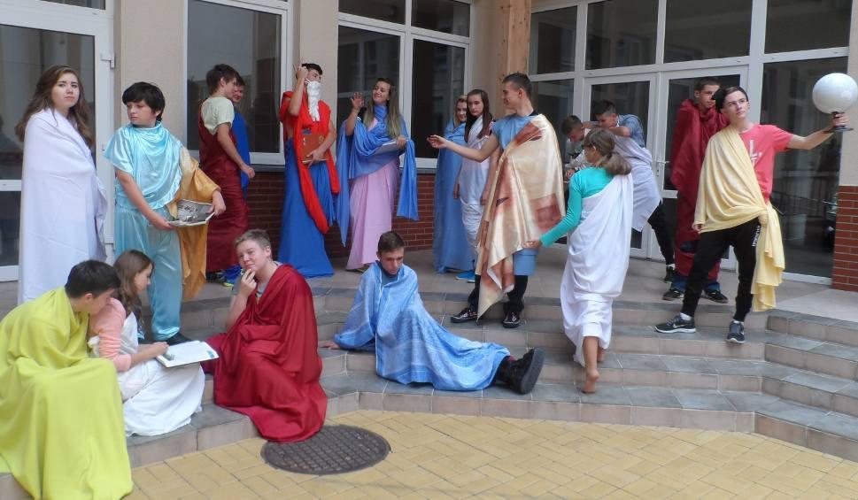 Film do artykułu: Kreatywna klasa 2015. Jedni śpiewają i grają, drudzy czekają na list z Hogwartu