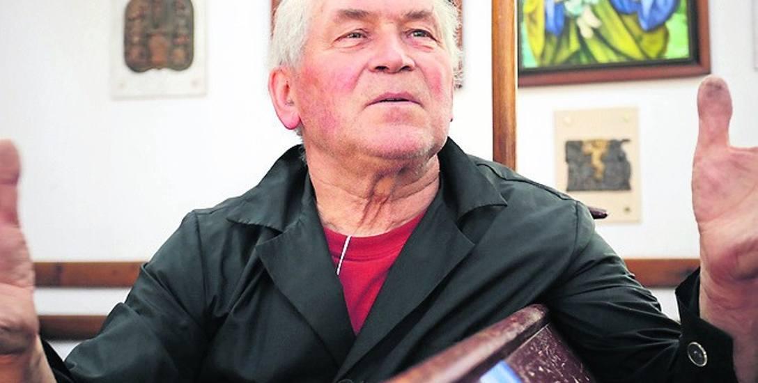 Słupszczanie doceniający wkład w życie miasta ks. Jana Giriatowicza w niedzielę zamierzają  mu zbiorowo odśpiewać Akatyst, czyli hymn na cześć Bogur
