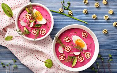 Szybki chłodnik z makaronem, botwinką i ogórkiem