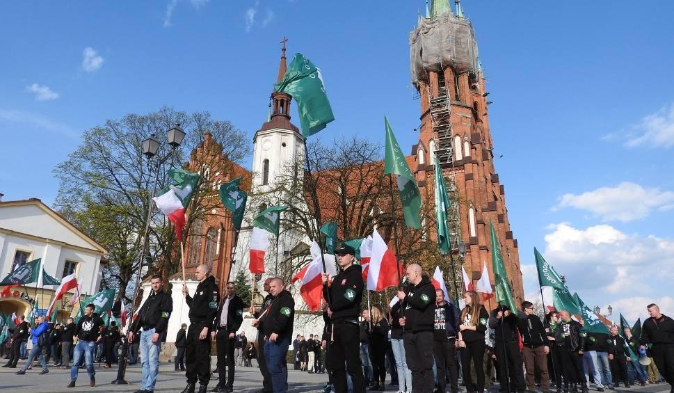 Film do artykułu: Białystok. Radni nie potępili marszu ONR (zdjęcia, wideo)