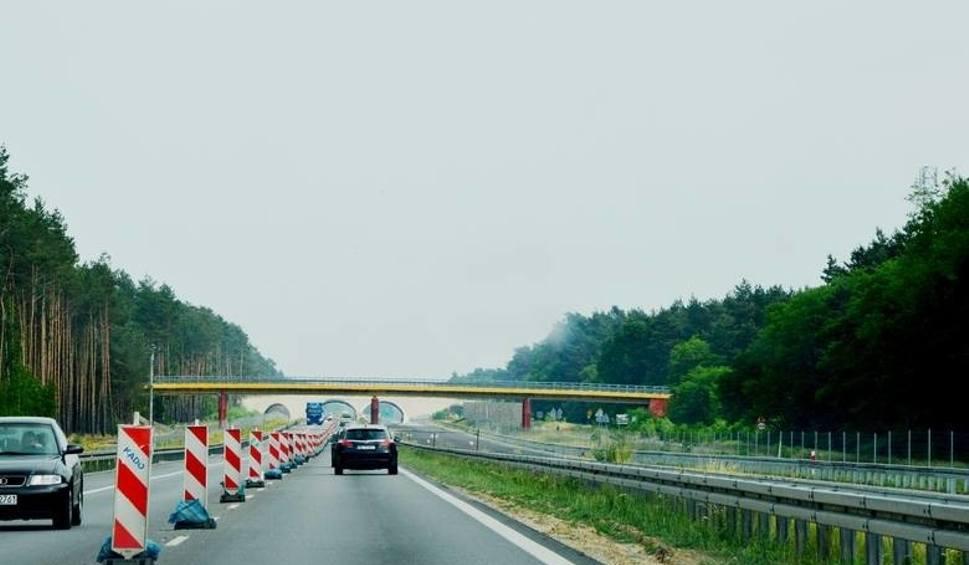 Film do artykułu: Budowa drogi S3 w woj. lubuskim. Kolejny odcinek Zielona Góra Północ węzeł Niedoradz już prawie gotowy. Kiedy otwarcie?