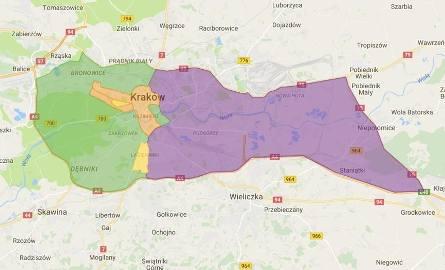 Obszar Zamknięty BłoniaUlice graniczne obszaru: 3 Maja, Piastowska, Focha.UPRAWNIENI DO WJAZDU:- mieszkańcy tego obszaru- pojazdy zaopatrzenia 00:00