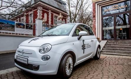 Elektryczny samochód Fiat 500 z bielskiej Fabryki Samochodów Elektrycznych podbije świat? ZDJĘCIA