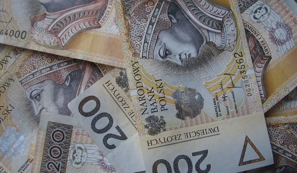 Film do artykułu: Będą pieniądze dla szkół w gminie Piekoszów