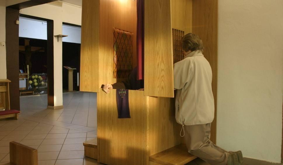 Film do artykułu: Noc Konfesjonałów 2018: pierwsza nocna spowiedź w kapilicy przy SCC