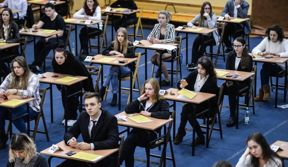Film do artykułu: Matura 2018: Harmonogram matur TERMINY Egzaminy maturalne od 4 maja do 23 maja