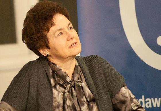 Danuta Wałęsa: Nie jestem i nie zamierzam być feministką. Tak samo jak nie mam zamiaru wstępować do partii kobiet czy klubu prezydentowych, bo i takie