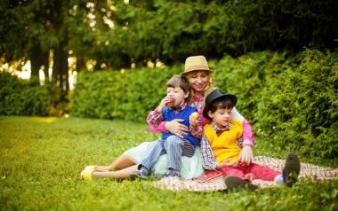 Matczyna emerytura będzie wydawana na wniosek.Trzeba będzie dotrzymać formalności aby starać się o nowe świadczenie emerytalne. O szczegółach wniosku