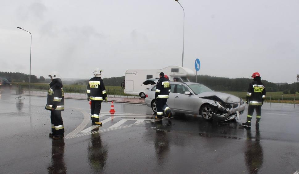 Film do artykułu: Wypadek na trasie Szczuczyn - Grajewo. Ciągnik zderzył się z bmw (zdjęcia)