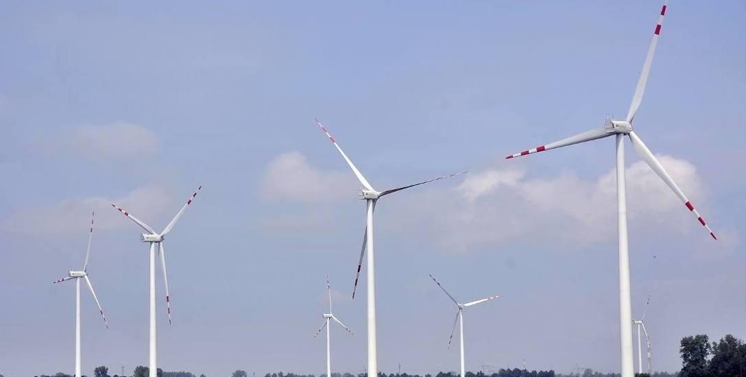 Nowa ustawa dotycząca wiatraków. Gminy zwracają miliony i zaciągają kredyty