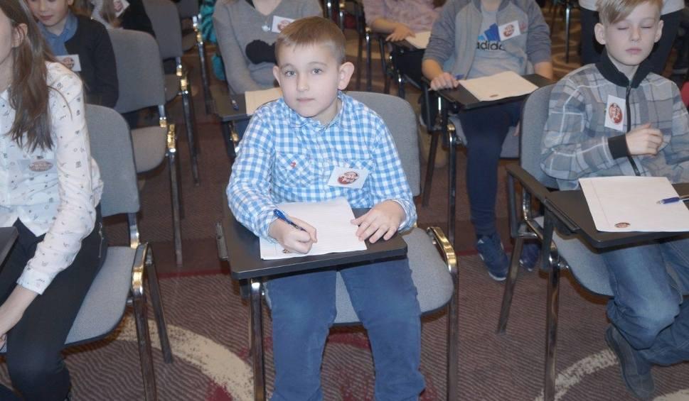 Film do artykułu: 7-letni Jakub z Radomic z wyróżnieniem w ogólnopolskim O!błędnym dyktandzie