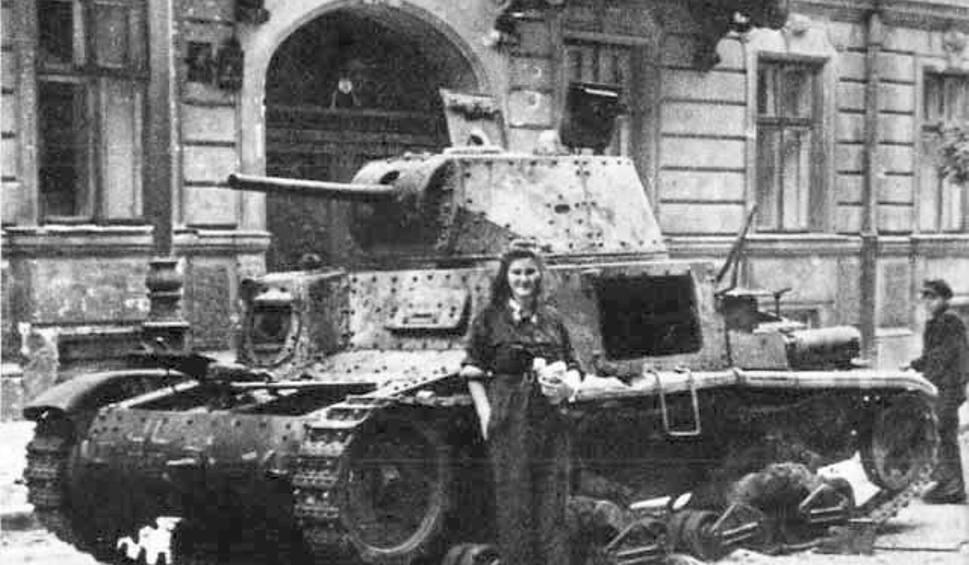 Powstanie Warszawskie dzień po dniu: 63 dni walczącej stolicy [ZDJĘCIA + KALENDARIUM]