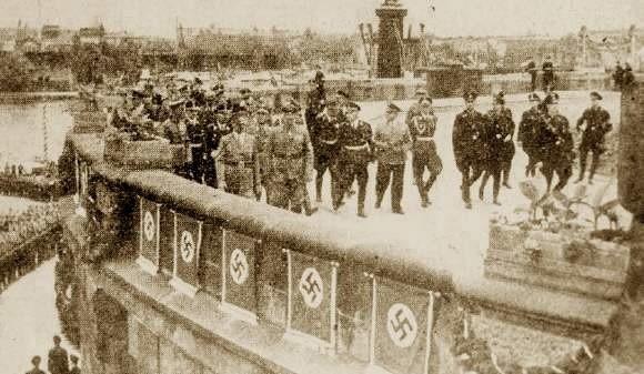 12 czerwca 1938 roku. Adolf Hitler zwiedza Hakenterrasse (Wały Chrobrego)