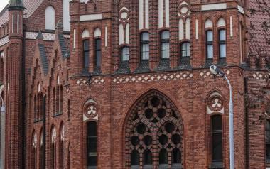 Pracownicy gdańskiej biblioteki obawiają się, że ich instytucja podzieli los zlikwidowanej kilkanaście lat temu biblioteki warszawskiej PAN