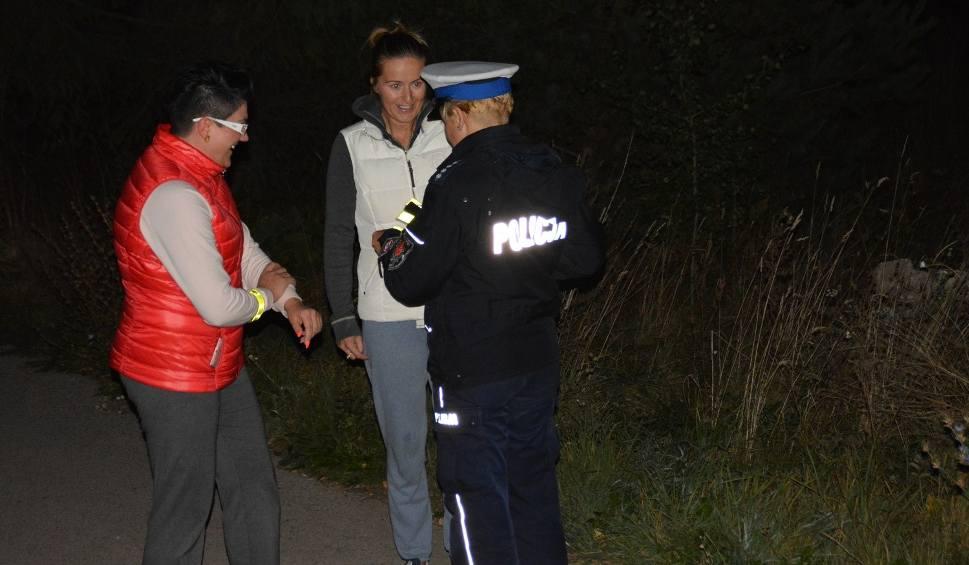 Film do artykułu: Policja i harcerze rozdawali odblaski (zdjęcia, wideo)