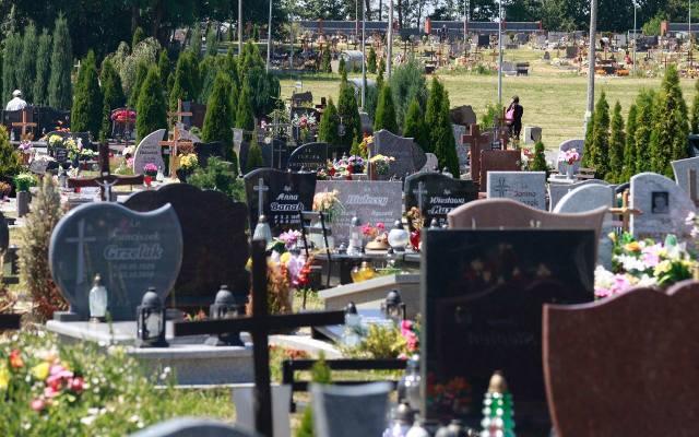 Cmentarz Na Półwsi W Opolu Ntopl