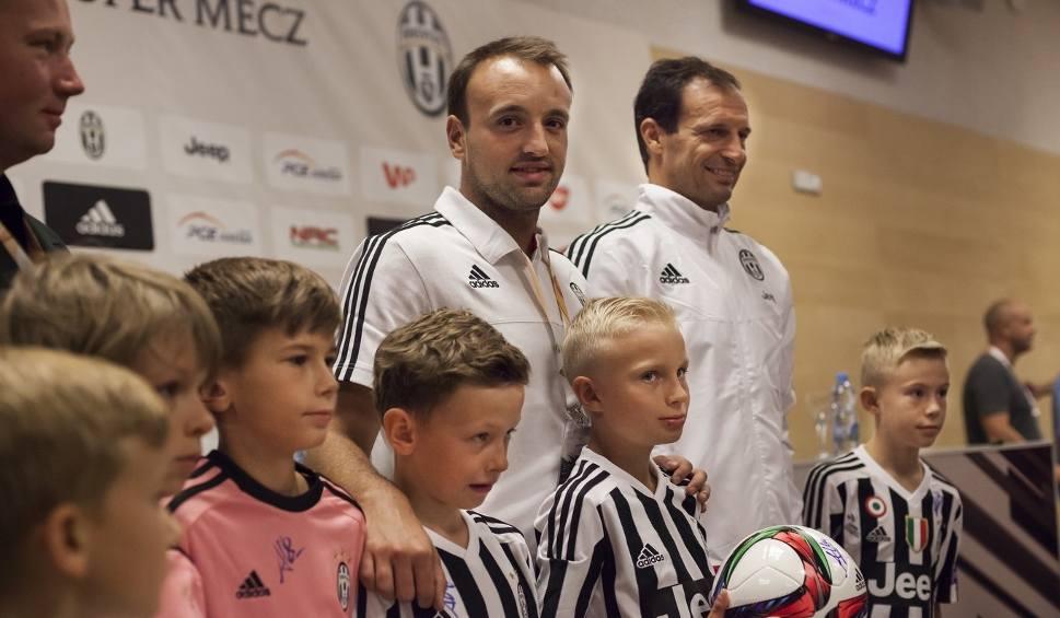 Film do artykułu: Juventus Piekary; Prezes Tomasz Sokoła: Najważniejszy jest rozwój i wychowanie młodych chłopaków WYWIAD + ZDJĘCIA