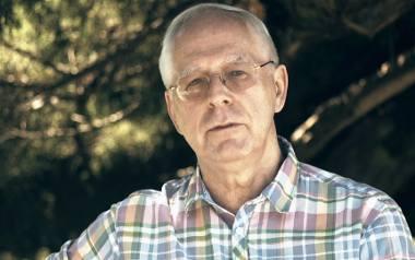 Jerzy Zięba uważa, że nowotwory można wyleczyć witaminą C