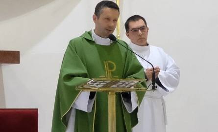 Ksiądz Daniel Wachowiak został przeniesiony z Poznania do parafii w małej wsi w Puszczy Noteckiej.