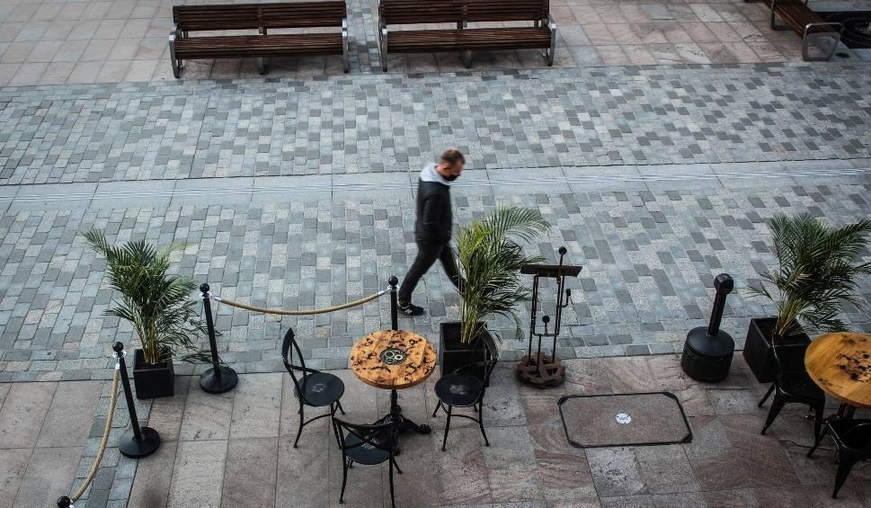 Film do artykułu: Pierwszy weekend w Lublinie po otwarciu restauracji. Centrum miasta powoli wraca do życia. Zobacz zdjęcia i wideo