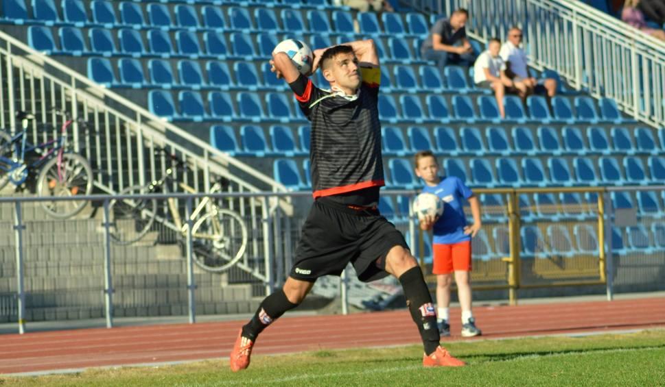 Film do artykułu: Konrad Domoń, piłkarz Resovii: W tym sezonie pokazaliśmy najlepszą piłkę i ten awans należał się nam, jak nikomu innemu...